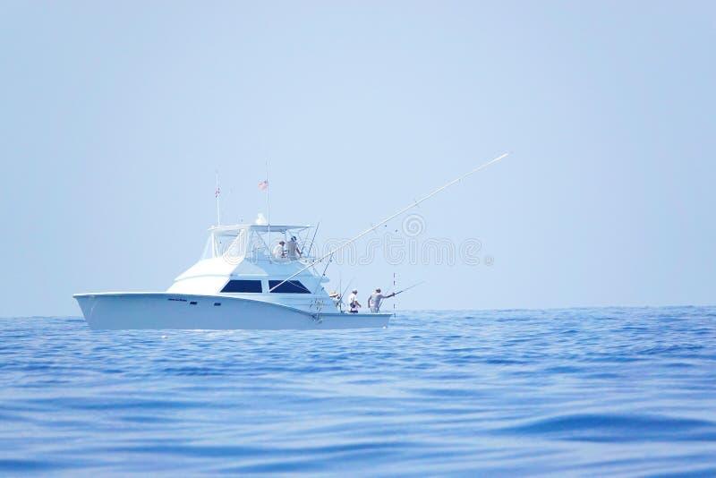 Día de pesca en el Océano Pacífico de Costa Rica mientras que el vacaciones foto de archivo