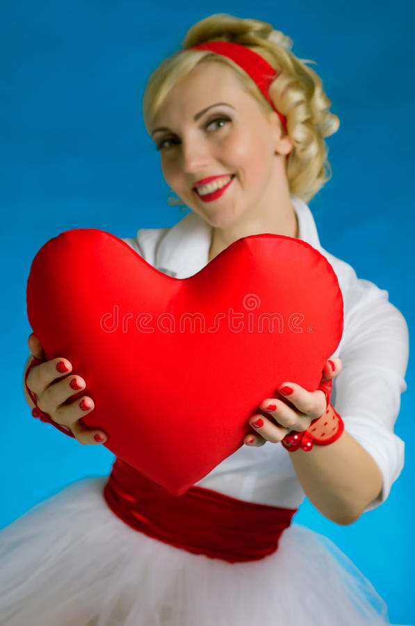 Día de tarjeta del día de San Valentín del corazón de la mujer foto de archivo