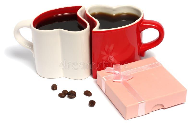 Día de tarjetas del día de San Valentín de tazas de café imagenes de archivo