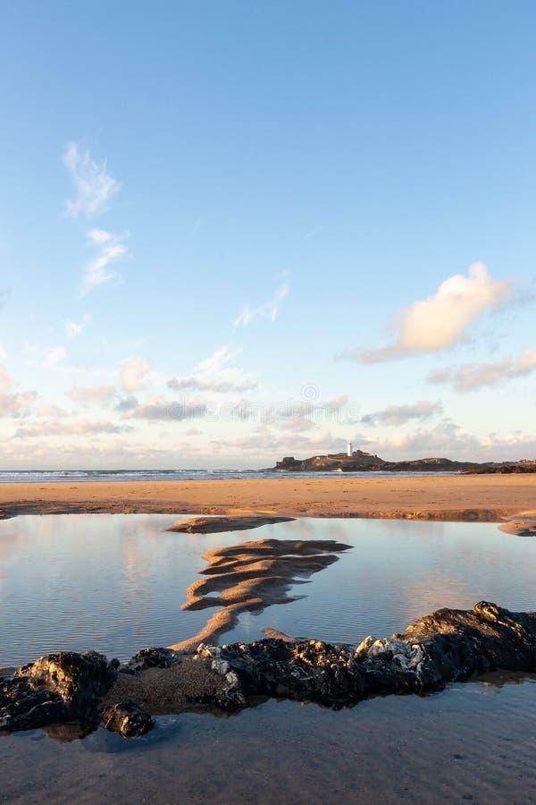 Día de veranos en la playa de Cornualles imágenes de archivo libres de regalías