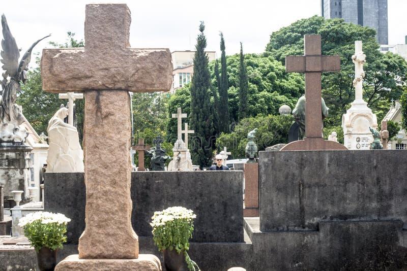 Día del difunto en el cementerio de Consolacao foto de archivo