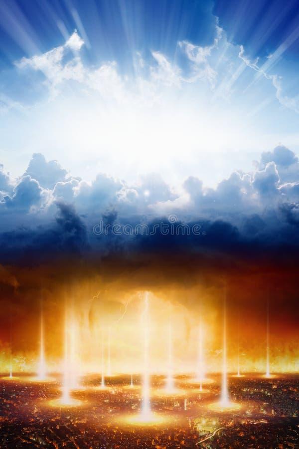 Día del Juicio Final, cielo e infierno, el bien y el mal, ligero y oscuridad imagen de archivo