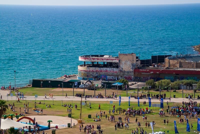 Día del orgullo gay en Tel Aviv, donde multitudes de personas se reúnen a lo largo del Mar Mediterráneo para celebrar imagen de archivo