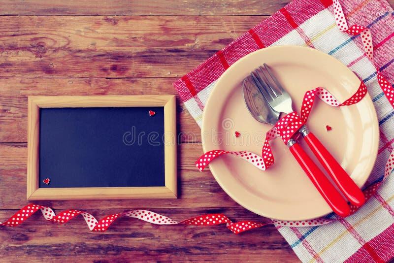 Día del ` s de la tarjeta del día de San Valentín, invitación para la cena romántica fotos de archivo