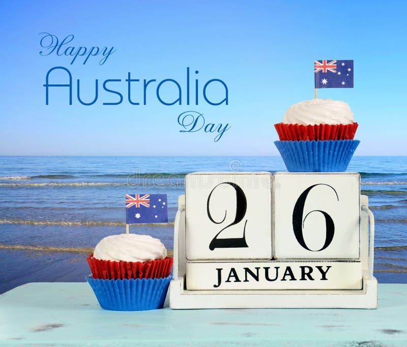 Día feliz de Australia, el 26 de enero, calendario de madera blanco del vintage del tema con el texto de la muestra imágenes de archivo libres de regalías