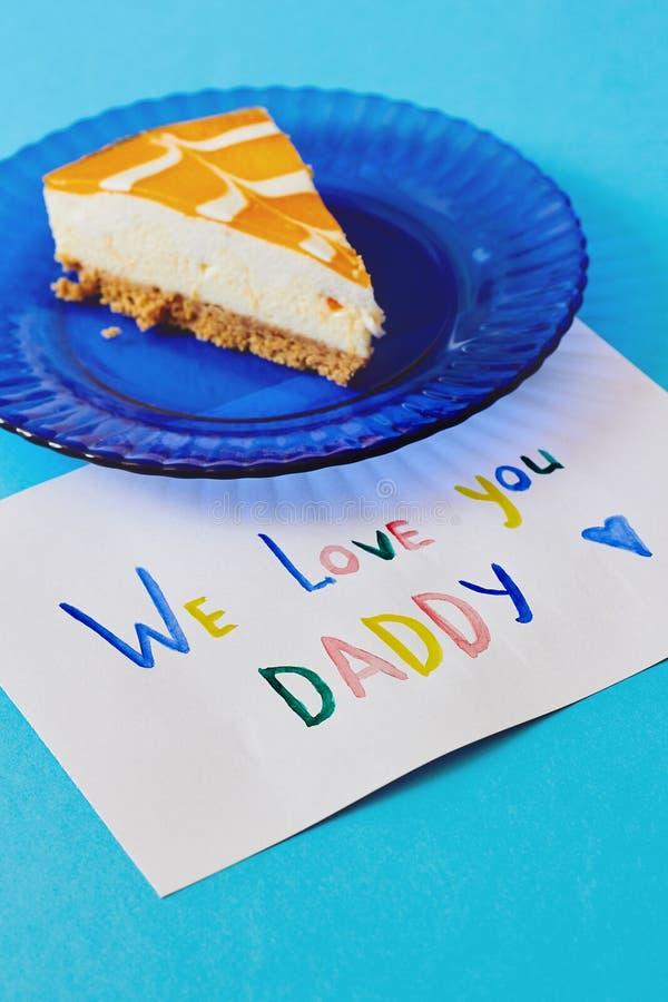 Día feliz del ` s del padre, día internacional del ` s de los hombres o tarjeta de cumpleaños Tarjeta de felicitación coloreada h fotografía de archivo