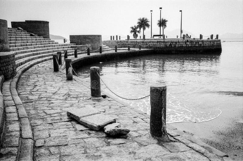 Día monocromático del formato de paisaje del embarcadero de Hong Kong de la bahía de la repulsión fotos de archivo libres de regalías