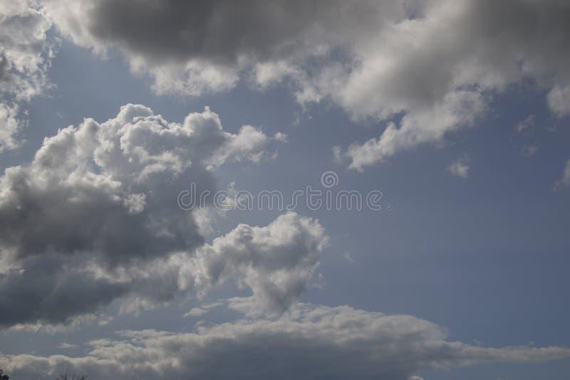 Día nublado hermoso, lleno de posibilidades fotos de archivo libres de regalías