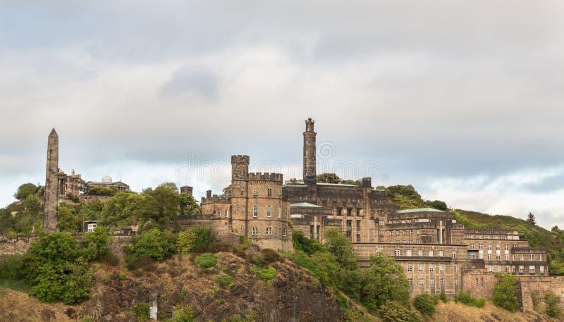 Día nublado sobre la colina de Carlton en Edimburgo foto de archivo