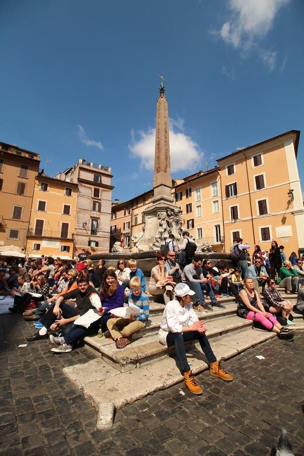 Día ocupado en Roma fotografía de archivo