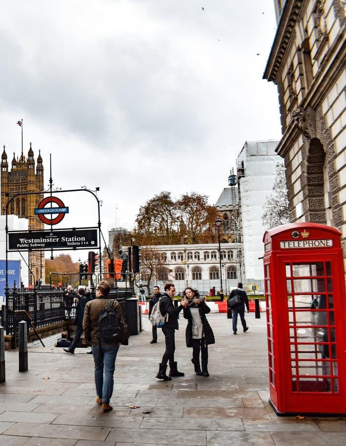 Día ocupado típico en Londres imagenes de archivo