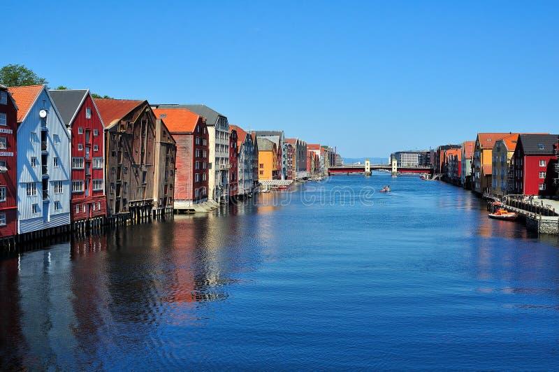 Día soleado en Strondheim Noruega imagen de archivo libre de regalías