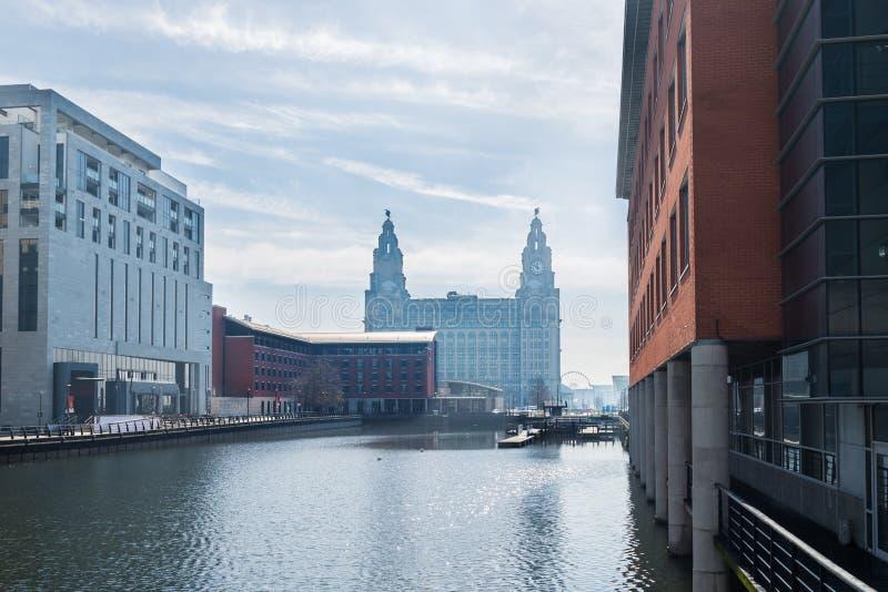 Día soleado hermoso en Liverpool, Reino Unido, distintas vistas del CIT fotografía de archivo libre de regalías