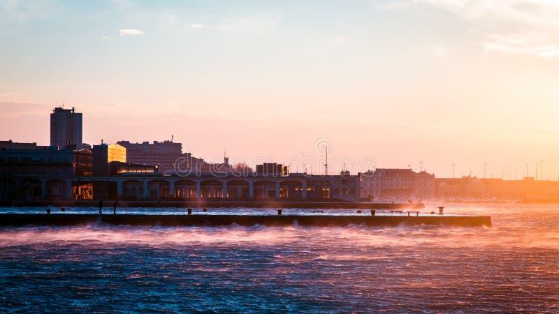 Día ventoso en la ciudad de Trieste fotografía de archivo libre de regalías