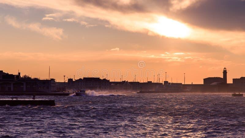 Día ventoso en la ciudad de Trieste foto de archivo libre de regalías