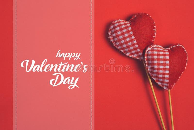 Día y corazón felices de las tarjetas del día de San Valentín - Imagen fotos de archivo