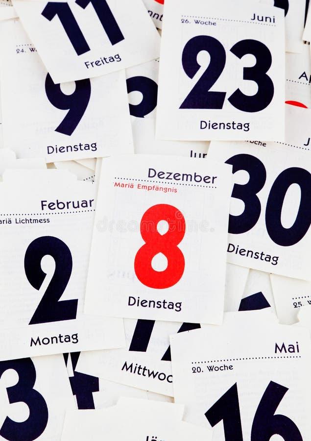 Días rasgados de un calendario foto de archivo libre de regalías