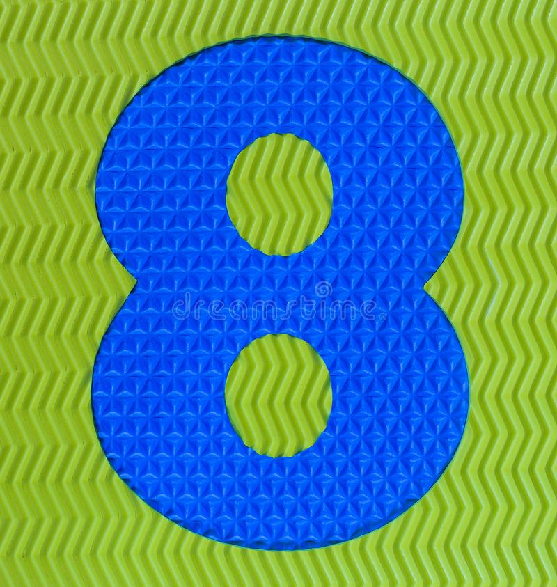 Dígito de goma multicolor número ocho fotos de archivo
