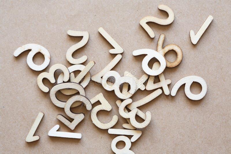 Dígitos de madera fijados imagen de archivo libre de regalías