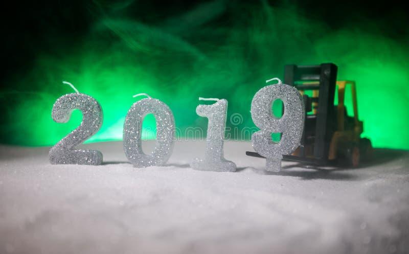 2019 dígitos en la nieve Nuevo concepto feliz de 2019 años Espacio vacío para su texto imagen de archivo
