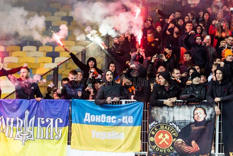 Dínamo ucraniano Kyiv - Shakhtar Donetsk, O del partido de liga primera fotos de archivo
