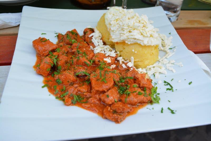 Dîner délicieux dans Brashov, Roumanie photos stock