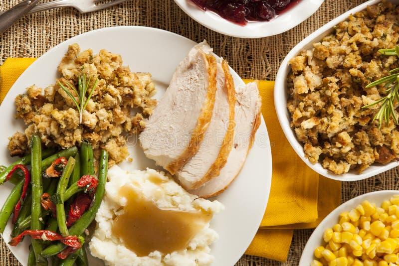 Dîner fait maison de thanksgiving de la Turquie images stock