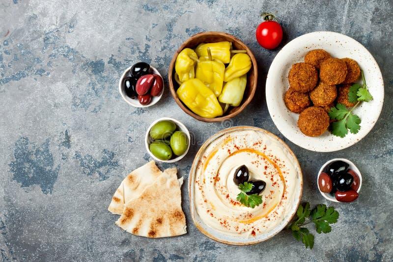 Dîner traditionnel du Moyen-Orient Cuisine arabe authentique Nourriture de partie de Meze Vue supérieure, configuration plate, aé images stock