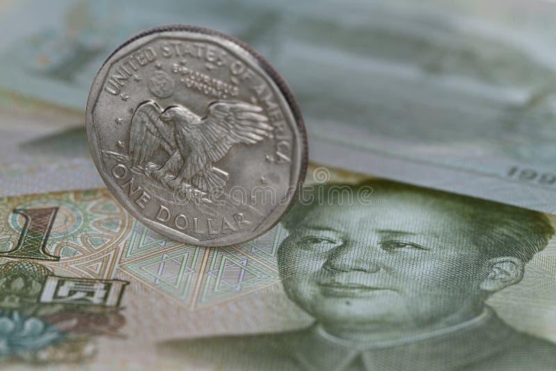 Dólar en yuan imágenes de archivo libres de regalías