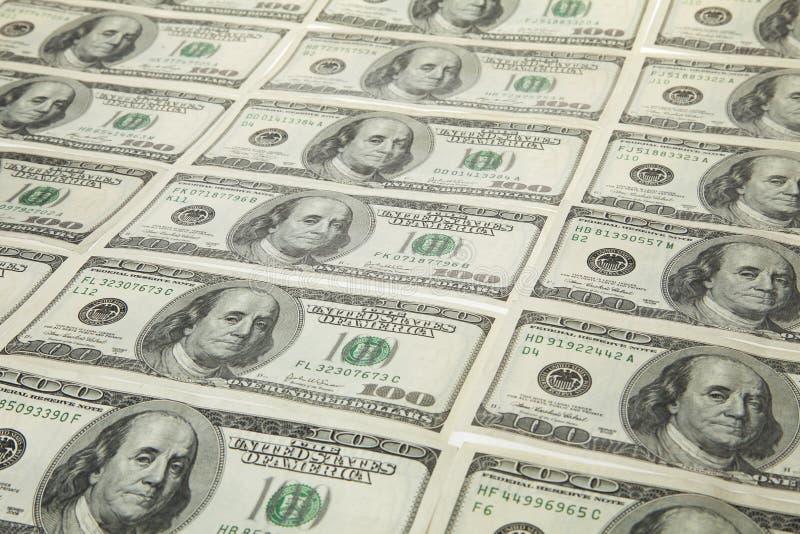 Dólares americanos em cru