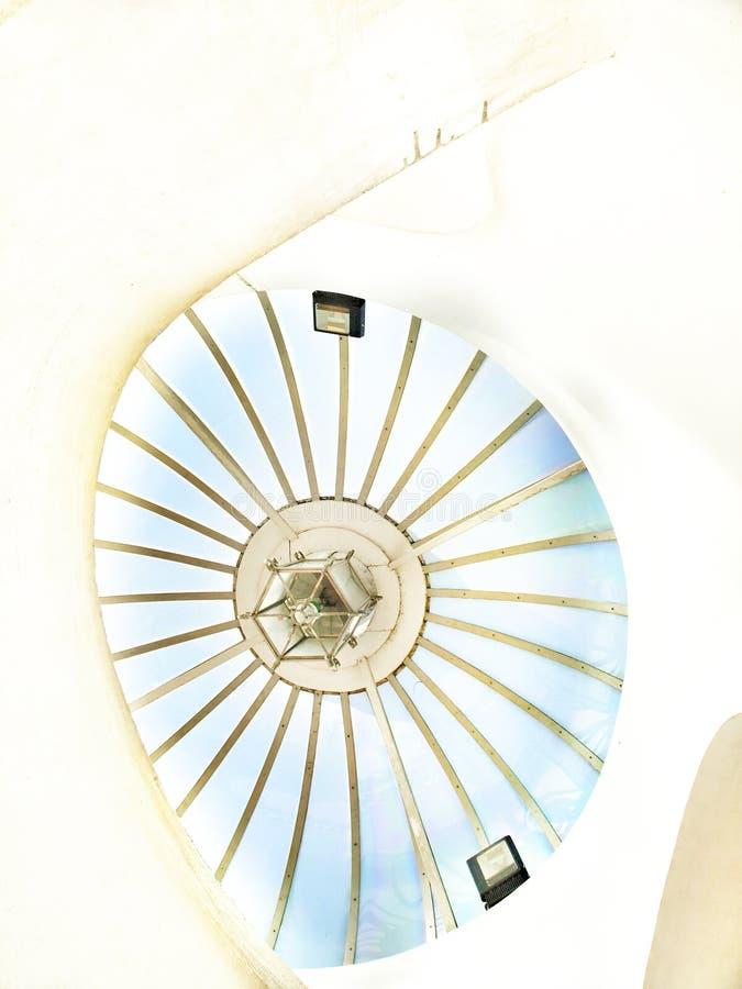Dôme blanc en spirale photographie stock libre de droits