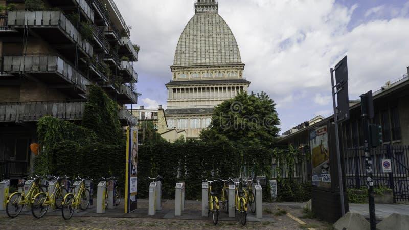 Dôme de la taupe Antoneliana, maison au musée de film de Turin photos libres de droits