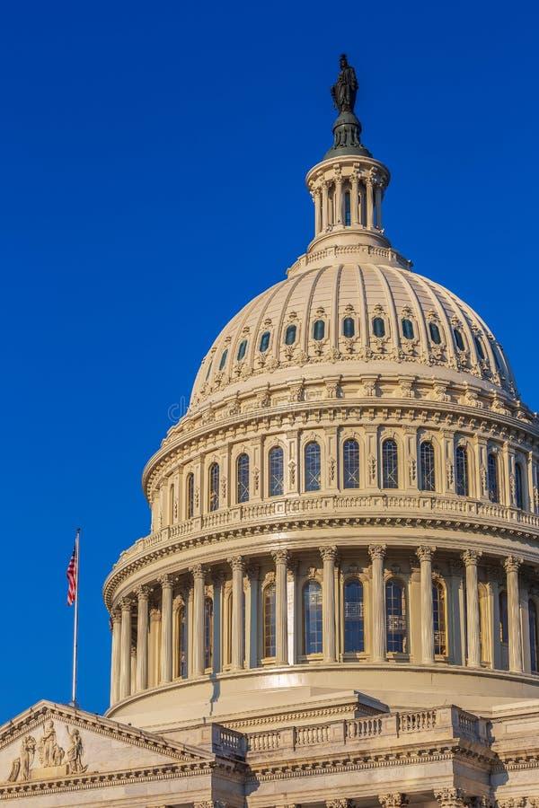 Dôme du bâtiment de capitol des Etats-Unis à Washington D C images stock
