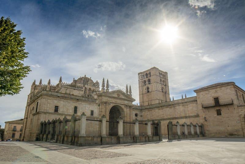 Dôme et cathédrale romane de Zamora, Espagne image stock