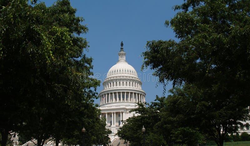 Dôme de bâtiment de capitol des Etats-Unis images stock
