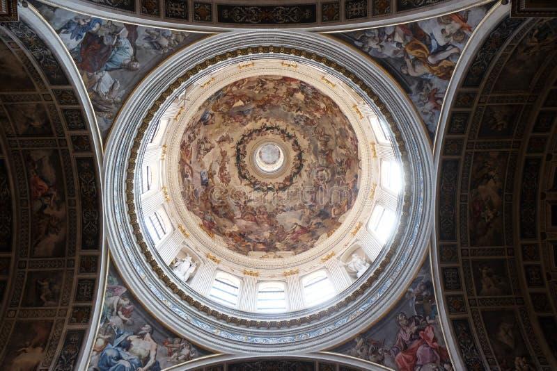 Dôme Frescoed de la basilique de St Andrew dans Mantua, Italie image libre de droits