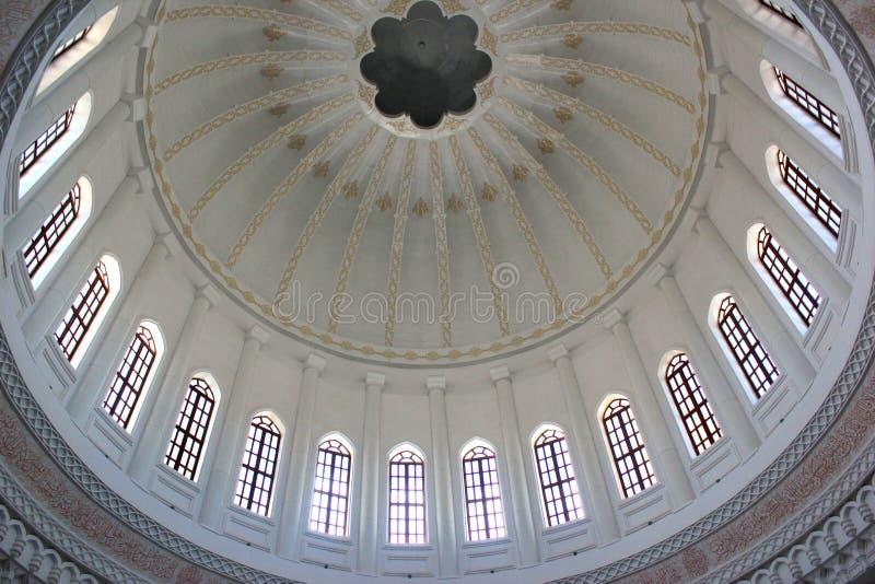 Dôme intérieur de Heydar Mosque, Bakou photos stock