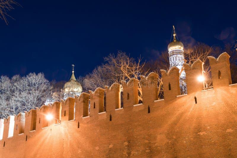 Dômes de la cathédrale de l'annonce et de la cathédrale d'Arkhangel Michael photo stock