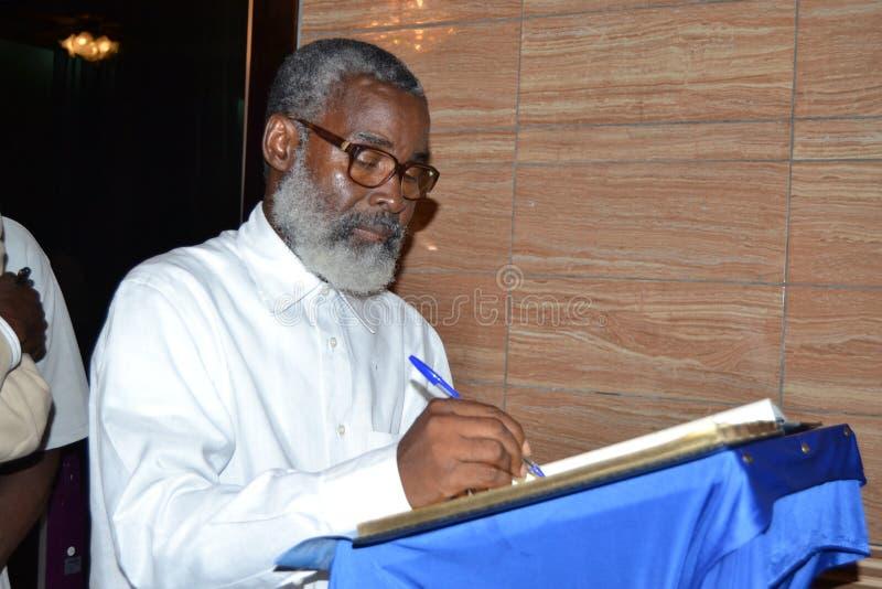 DÖD AV MODERN AV DEN TILLFÖRORDNADE ORDFÖRANDEN AV DEN UTMANANDE FOLKFRAMDELEN IVOIRIAN, FRÅN PRESIDENTEN LAURENT GBAGBO royaltyfria bilder