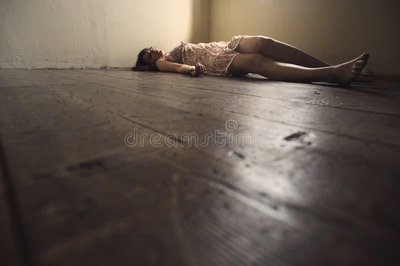 död kvinna royaltyfria foton