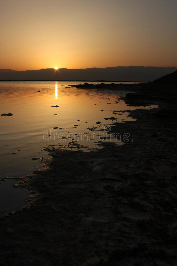 döda israel över havssoluppgång royaltyfri fotografi