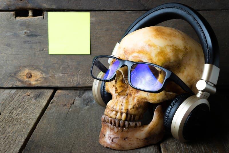 Döda till CD musikutrustningar royaltyfria foton