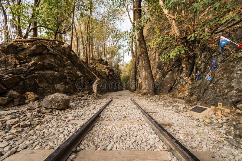 Dödjärnväg, gammal järnväg på Hellfirepasserandet, Kanchanaburi arkivbilder