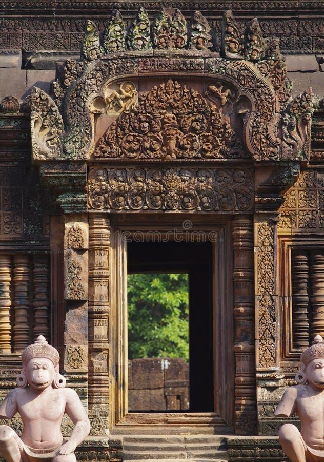 Dörröppning på angkorwat royaltyfri bild