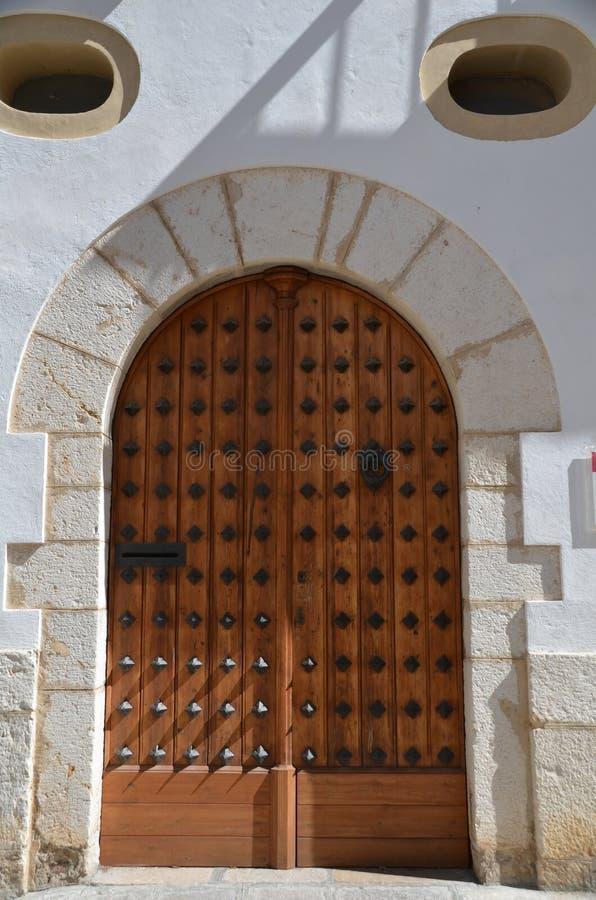 Dörr i Sitges Spanien royaltyfria bilder
