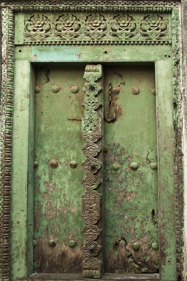 Dörr i stenstaden, Zanzibar royaltyfri bild