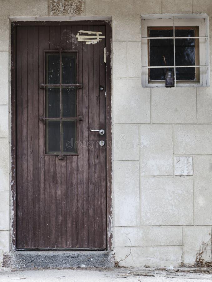 Dörr och fönster royaltyfri foto