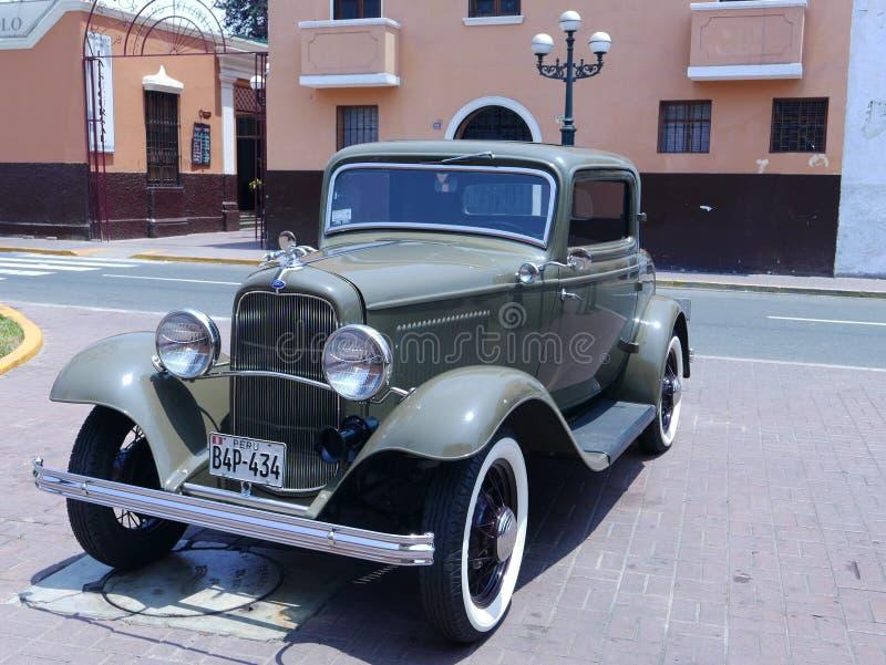 Dörrar för Ford De Luxe kupé som två byggs i 1932 arkivfoto