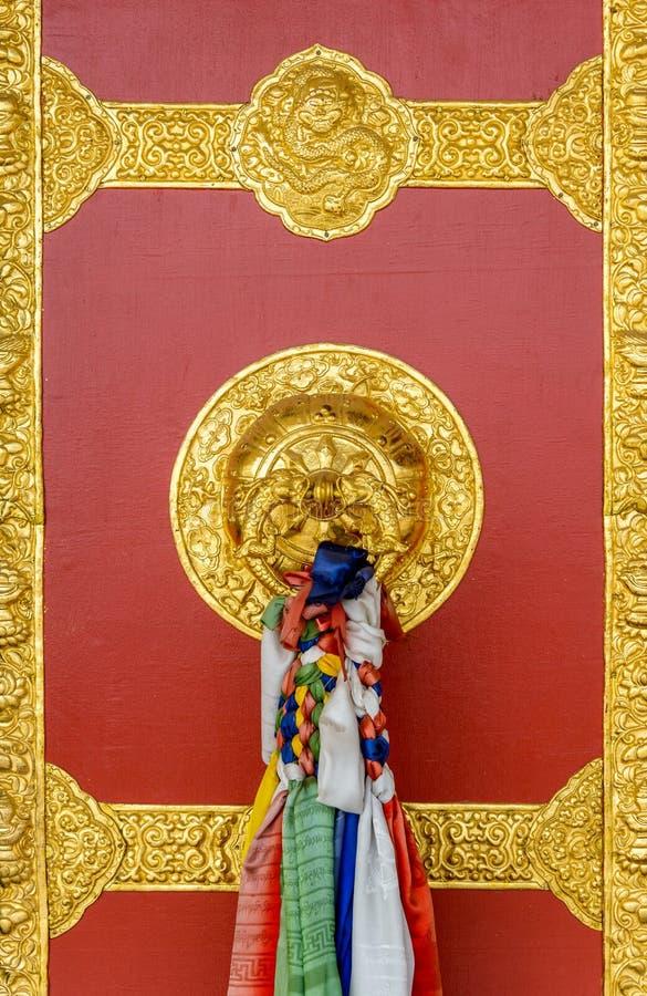 Dörrdetalj för buddistisk kloster royaltyfri foto