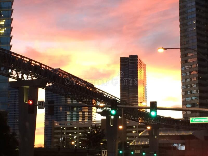 Düsterer Sonnenuntergang lizenzfreie stockfotos
